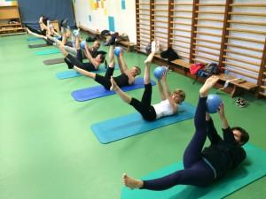 Pilates oefening op de Mat: scissors
