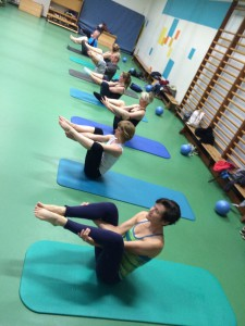 Pilates oefening op de Mat: the seal