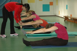 Pilates oefening op de Mat: spine stretch forward