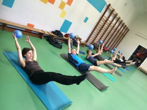 Pilates op de Mat: double leg stretch with ball