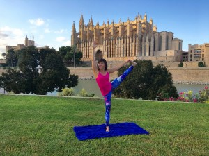 Yoga pose: hand to big toe pose