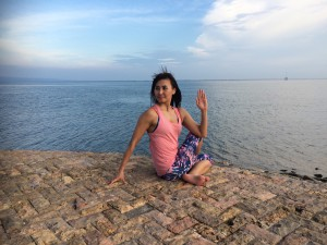 Yoga pose: sitting twist - Ardha Matsyendrasana