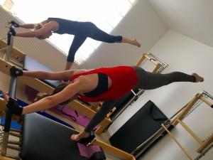 Pilates op Reformer: arabesque 1