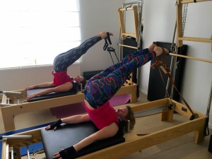 Pilates op Reformer: short spine massag